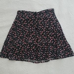 🧡2/10$ H&M floral button up mini skirt